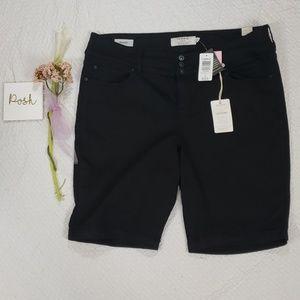 NWT TORRID black jeggings bermuda shorts sz 22